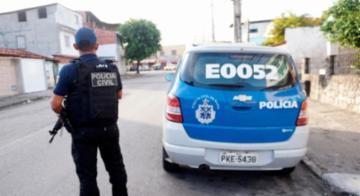 Policiais chegaram junto mesmo dos suspeitos de curtir pedofilia na 'net' - Polícia Civil/Divulgação