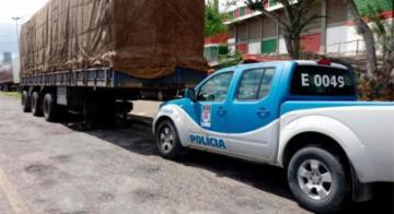 Caminhão com carga de madeira roubada é recuperada na Bahia - Divulgação/Polícia Civil
