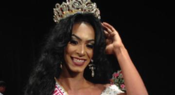 Ananda Mafra foi a ganhadora da noite do concurso Miss subúrbio Gay, em Vista Alegre - Genilson Coutinho/Divilgação