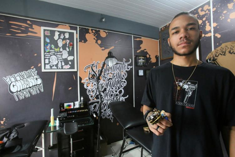 Tatuador Urbano já vê avanços na luta contra preconceito