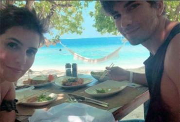 Deborah Secco e Hugo Moura estão de férias nas Ilhas Maldivas   Reprodução