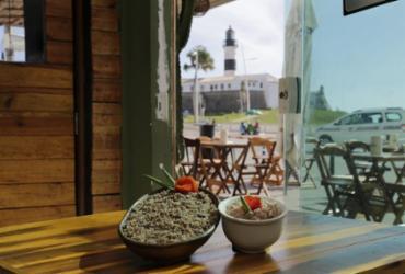 Sindicato estima que 70% dos bares e restaurantes devem reabrir nesta segunda | Gilberto Junior | Ag. A TARDE