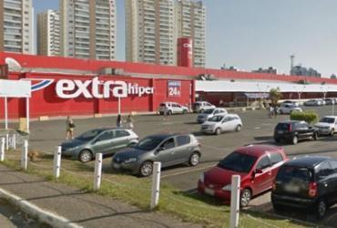 Pré-Black Friday causa fila em estacionamento de supermercado | Divulgação