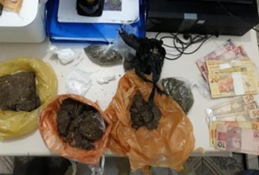 Mulher é flagrada com drogas em bar na cidade de Boipeba   Divulgação   SSP-BA