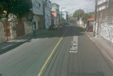 Uma pessoa fica ferida após carro colidir em poste na Ribeira | Reprodução | Google Maps