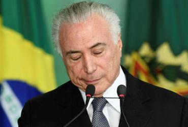 Em Brasília, Temer recebe afagos de prefeitos   Evaristo Sa   AFP