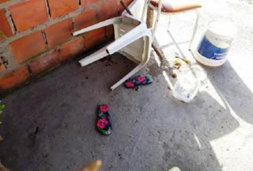Jovem é assassinada a tiros dentro de bar em Feira de Santana