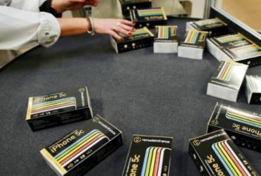 Reciclagem de celulares, um negócio 'verde' que vive seu auge   Charly Tribalelau   AFP