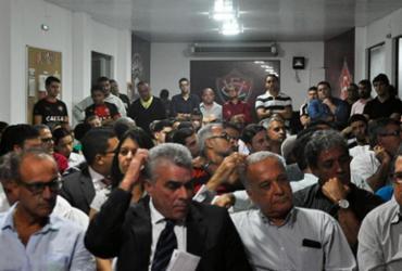 Conselheiros reclamam do posicionamento do presidente do Conselho   Maurícia da Matta   EC Vitória