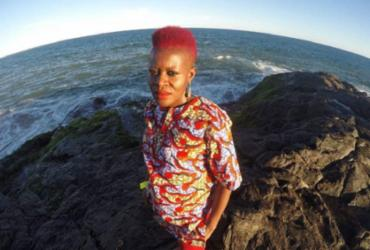 Cantora nigeriana Okwei Odili se apresenta neste sábado na Gamboa   Divulgação