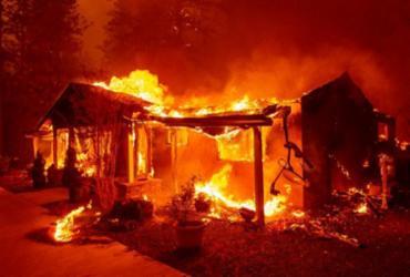 Sobe para 79 número de mortos em incêndio na Califórnia | Josh Edelson | AFP