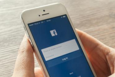Facebook compartilhou dados de usuários com fabricantes de smartphones | Divulgação | Freepik