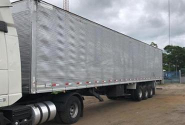 Caminhão de carga é apreendido na BR-116 com diversas adulterações   Divulgação   PRF