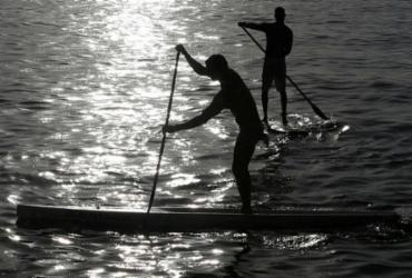 Mais um feriado em que o stand up paddle corre solto em Salvador | Adilton Venegeroles | Ag. A TARDE | 19.12/.2017