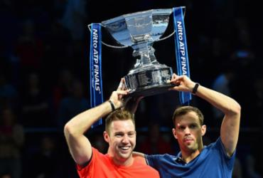 Bryan e Sock superam franceses de virada e faturam título de duplas do ATP Finals | Glyn Kirk | AFP