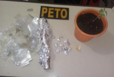 Jovem é presa suspeita de tráfico de drogas em Valença | Divulgação | SSP-BA