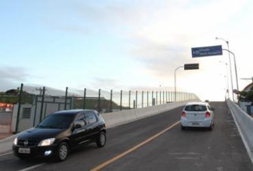 Viaduto que liga rua das Locadoras à Estrada do Coco é liberado | Fernando Vivas | GOVBA