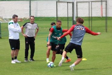 Vitória faz treino lúdico para enfrentar o Paraná fora de casa   Moysés Suzart   EC Vitória
