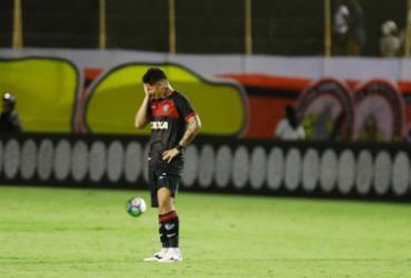 Vitória perde para o Atlético-PR e se complica na luta contra o rebaixamento   Tiago Caldas l Ag. A TARDE