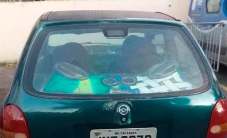 O veículo modelo Corsa foi encontrado 30 minutos após o roubo - Foto: Divulgação | SSP-Ba