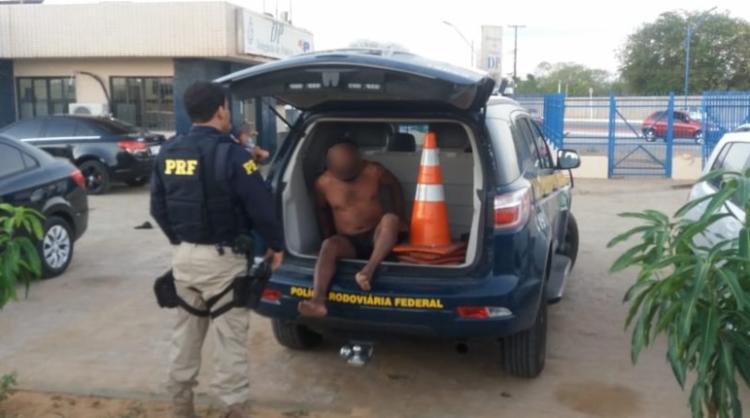 Flagrado, condutor foi encaminhado à Delegacia de Ribeira do Pombal - Foto: Divulgação | PRF