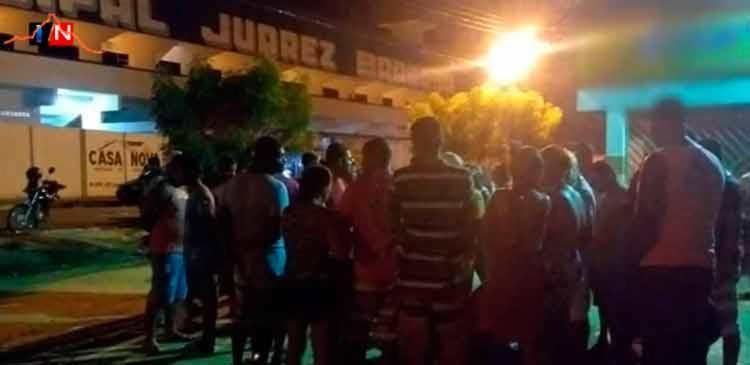 O crime ocorreu em frente ao Estádio Juarez Barbosa na noite deste domingo - Foto: Reprodução   Itamaraju Noticias