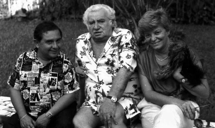 Calasans e Auta Rosa em momento descontraído com o escritor e amigo Jorge Amado