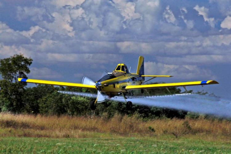 O setor da aviação agrícola é um dos principais fomentadores para o desenvolvimento tecnológico, principalmente no combate e defesa de pragas - Foto: Divulgação