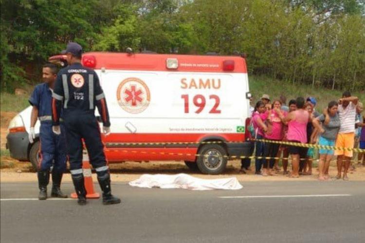 A criança desceu de um ônibus escolar e foi atingida por um carro de passeio - Foto: Reprodução | Lay Amorim |Achei Sudoeste