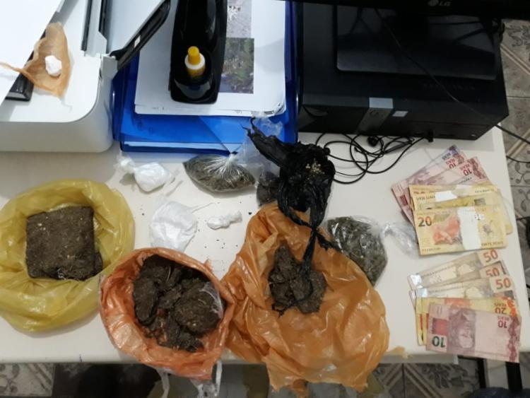 Material apreendido pela polícia com a suspeita - Foto: Divulgação   SSP-BA