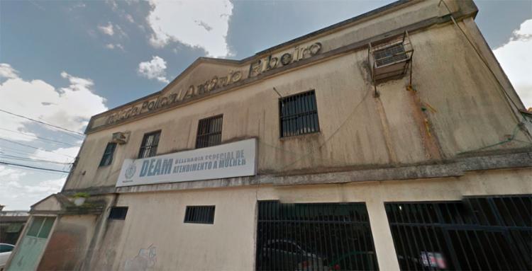 Elissandro Silva e Marileide Santos foram autuados na Delegacia Especial de Atendimento a Mulher de Candeias - Foto: Reprodução | Google Maps