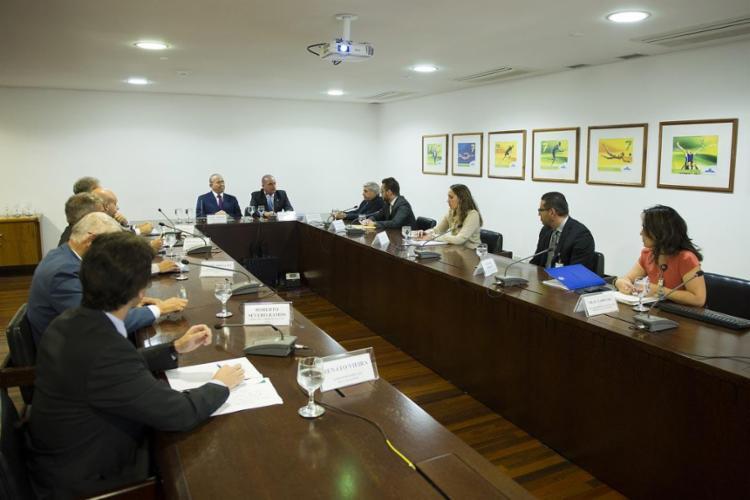 O ministro-chefe da Casa Civil, Eliseu Padilha, recebeu no Palácio o deputado federal Onyx Lorenzoni (DEM-RS), que coordenará a equipe de transição - Foto: Fernando Aguiar l Casa Civil PR