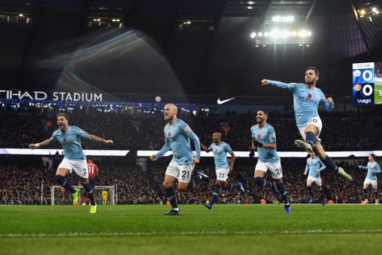 Jogadores do City vibram com primeiro gol no clássico, marcado por David Silva - Foto: Manchester City | Divulgação