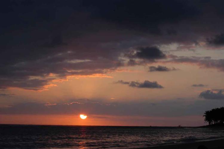 Punta Cana possui mais de 30 quilômetros de praias, recheados de resorts e super-hoteis - Foto: James Heaney