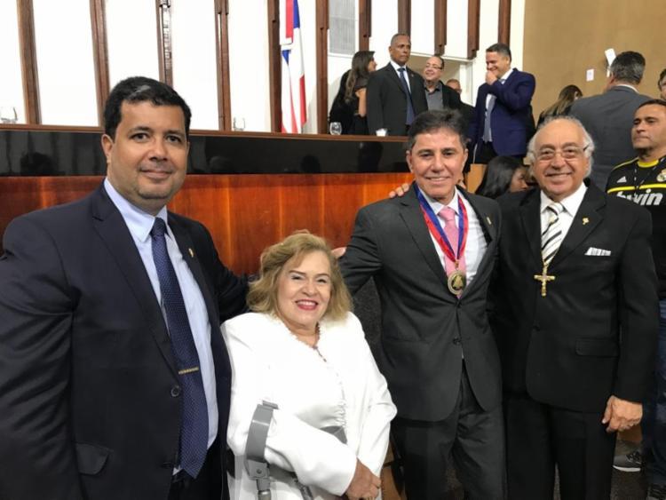 A iniciativa da honraria foi do deputado Pablo Barroso e a solenidade foi presidida pelo deputado Ângelo Coronel - Foto: Divulgação