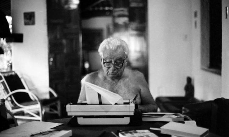 Biografia escrita pela autora baiana Joselia Aguiar com cerca de 600 páginas, reúne histórias e fotografias exclusivas do escritor brasileiro - Foto: Zelia Gattai | Divulgação | Casa de Jorge Amado