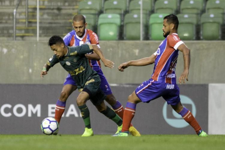 Esquadrão enfrentou o América-MG na noite deste domingo, em Belo Horizonte - Foto: Mourão Panda   Divulgação   América