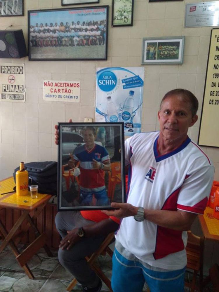 Após encerrar a carreira como jogador, Tirson passou a administrar um bar no Campo Grande - Foto: Reprodução | Facebook