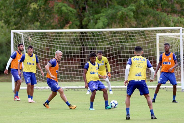 O plantel volta a se apresentar na manhã deste sábado, 24, quando irão treinar e seguirão viagem para Minas Gerais - Foto: Felipe Oliveira | EC Bahia