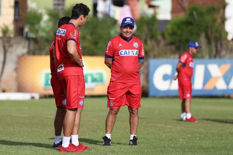 O time somou 13 triunfos, 13 empates e 12 derrotas com o treinador - Foto: Felipe Oliveira l EC Bahia