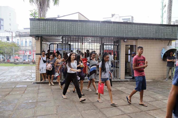 Cerca de 5,5 milhões de estudantes estão inscritos no exame deste domingo - Foto: Gilberto Junior   Ag. A TARDE
