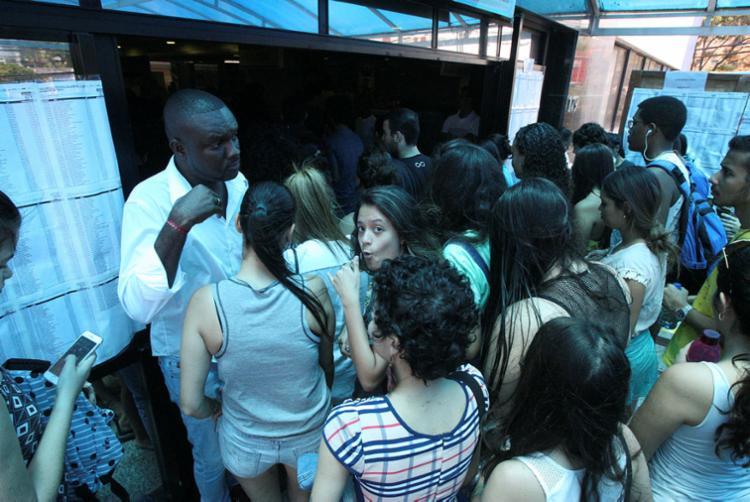 Candidatos fizeram prova neste domingo, 11, na Estácio Fib, no Stiep - Foto: Luciano da Matta | Ag. A TARDE
