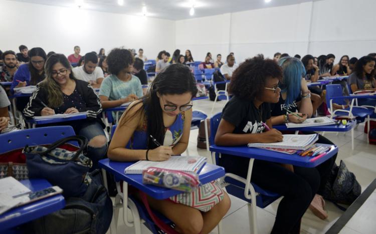 Esses estudantes têm direito à reaplicação apenas das provas do 1ª dia - Foto: Shirley Stolze l Ag A TARDE