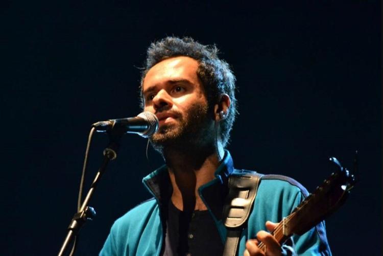 O cantor paulista se apresentará no projeto