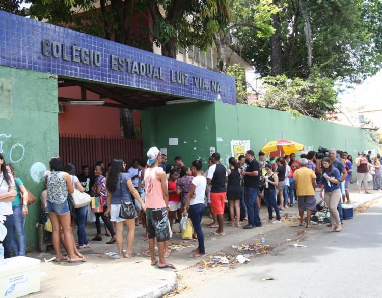 Estudantes baianos terão até as 18h (para fazer as questões e a redação) - Foto: Margarida Neide l Ag. A TARDE
