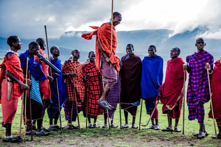 Mostra é composta por 20 imagens que retratam a biodiversidade da Tanzânia e a beleza do povo Massai - Foto: Glad Macedo