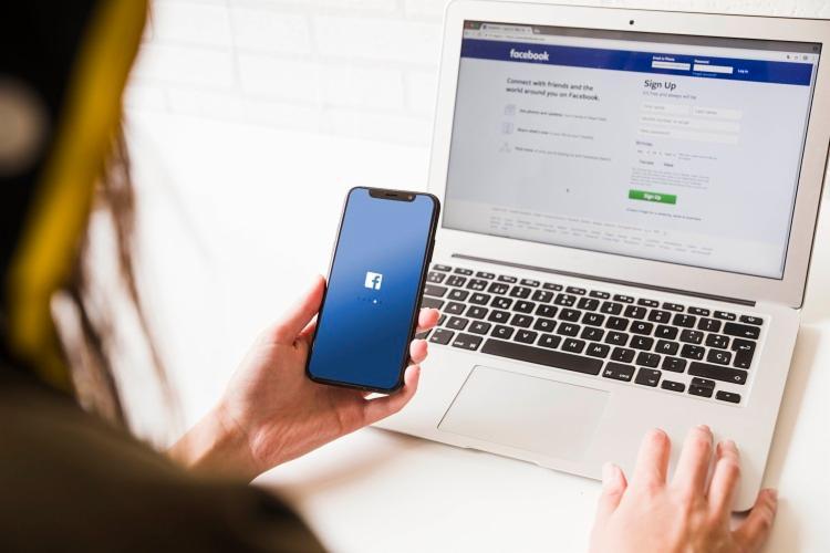 Dados apontam que 99,6% das contas falsas removidas no período de seis meses foram identificadas pelo sistema de inteligência artificial da empresa - Foto: Divulgação | Freepik