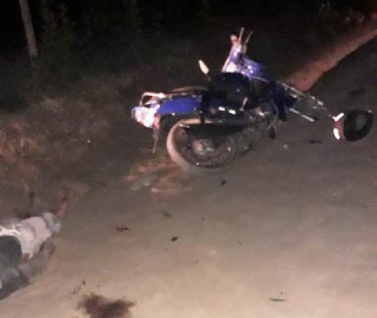 Um dos suspeitos, identificado como Rodrigo Almeida dos Santos Júnior,20, não resistiu e morreu no local. - Foto: Divulgação| Acorda Cidade