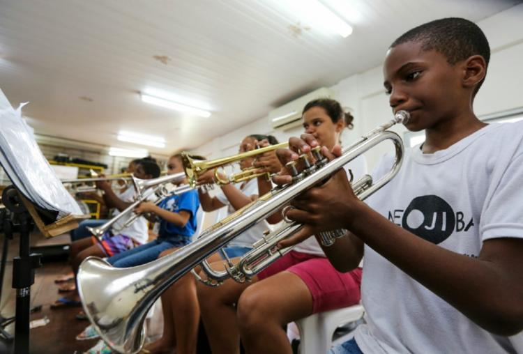 O Núcleo oferece ensino musical por meio da prática orquestral e coral - Foto: Divulgação
