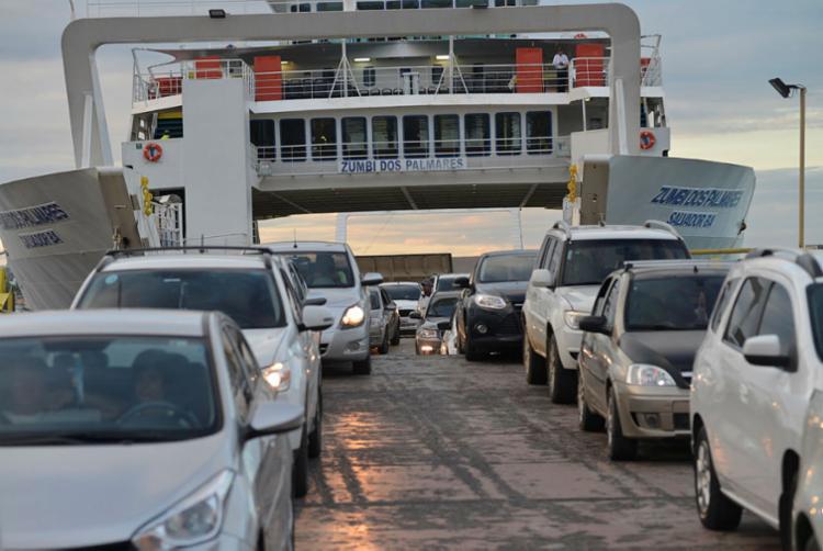Motoristas e pedestres têm embarque imediato na manhã desta segunda - Foto: Shirley Stolze | Ag. A TARDE